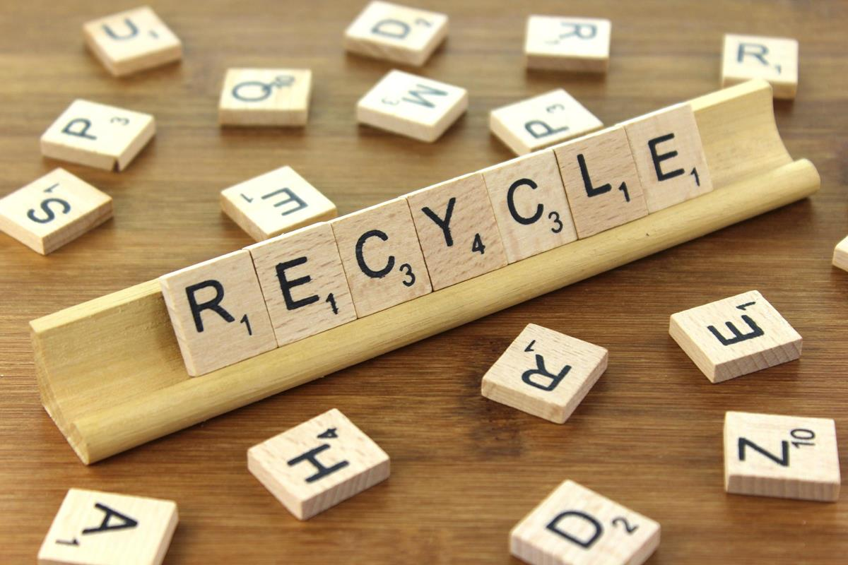 "Image of Scrabble tiles that spell ""recycle"""